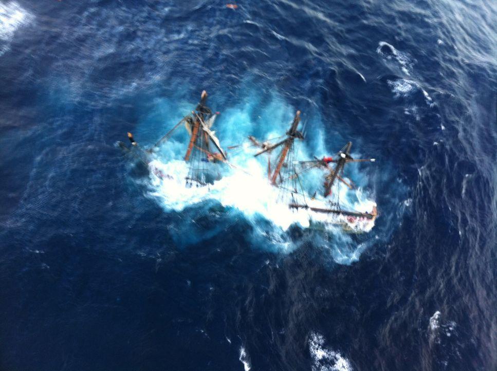 Ein erfahrener Kapitän und dessen Crew steuerte sein Schiff in Richtung Hurrikan Sandy. Warum hat er das getan? Diese und andere Antworten gibt es i... - Bildquelle: 2015 A&E TELEVISION NETWORKS, LLC. ALL RIGHTS RESERVED.