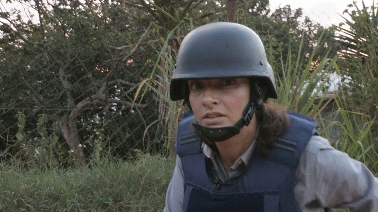 In Venezuela werden täglich mindestens fünf Menschen entführt. Die Reporterin Kiki King (Bild) und der Regisseur James Brabazon treffen in Caracas e... - Bildquelle: Quicksilver Media 2012