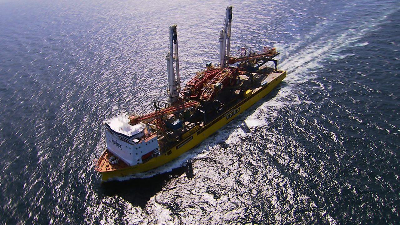 Ob am Polarkreis oder Äquator - der Ozeanriese Happy Star kann auf offenem Meer die weltweit schwersten Industrieausrüstungen transportieren. Die be... - Bildquelle: Exploration Production Inc.