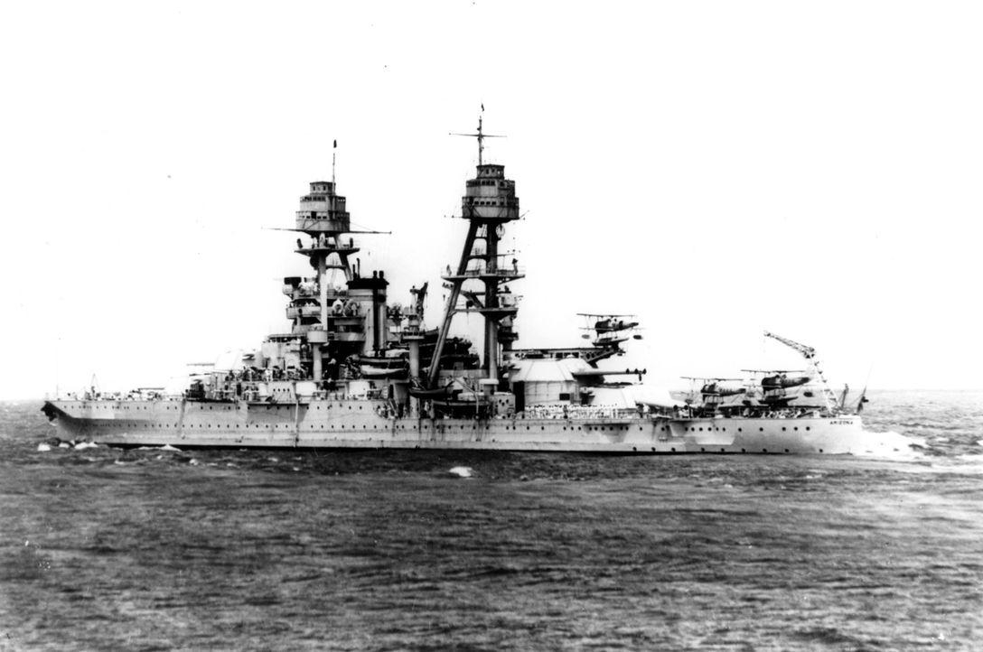 """Die """"Jeremiah O'Brien"""" gehört zu den Versorgungsschiffen, deren oft einfache Bauweise sie zum leichten Ziel für Feinde machte. Die Folge nimmt diese... - Bildquelle: Lou Reda Productions, Inc."""
