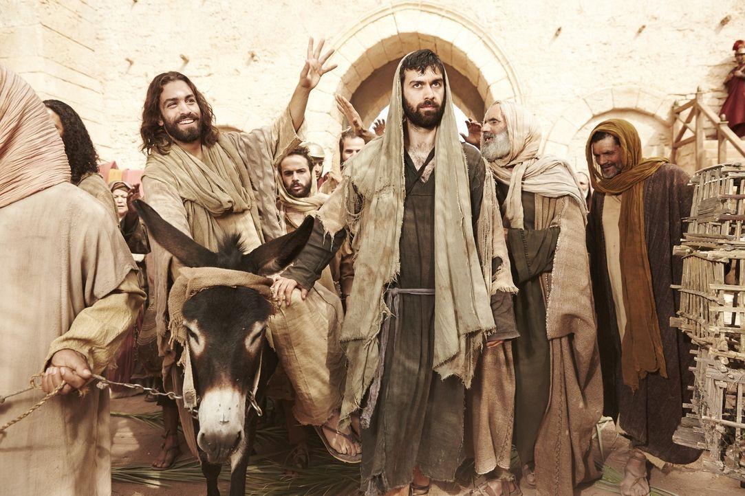 Es ist eine der größten unbeantworteten Fragen des Christentums: Warum hat Judas (M.), der Jünger Jesu, ihn bei den jüdischen Behörden verraten? Und... - Bildquelle: 2015 Cable News Network Inc.  A TimeWarner Company  All rights reserved