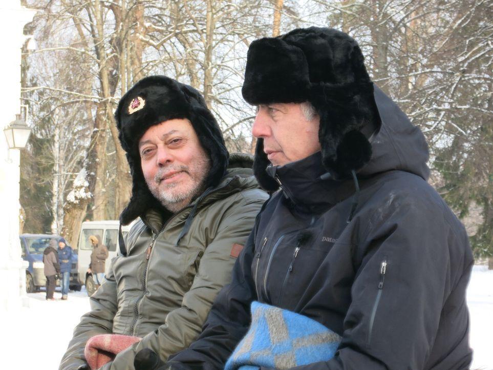 Zamir Gotta (l.) und Anthony Bourdain (r.) lassen sich nicht vorschreiben, was sie sagen oder tun dürfen - schon gar nicht vom russischen Präsidente... - Bildquelle: 2014 Cable News Network, Inc. A TimeWarner Company All rights reserved