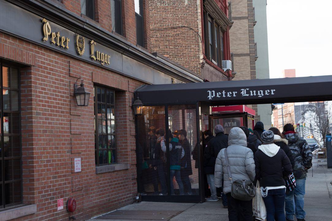 Andrew arbeitet sich Leckerbissen um Leckerbissen durch Brooklyn hindurch: U... - Bildquelle: 2016,The Travel Channel, L.L.C. All Rights Reserved