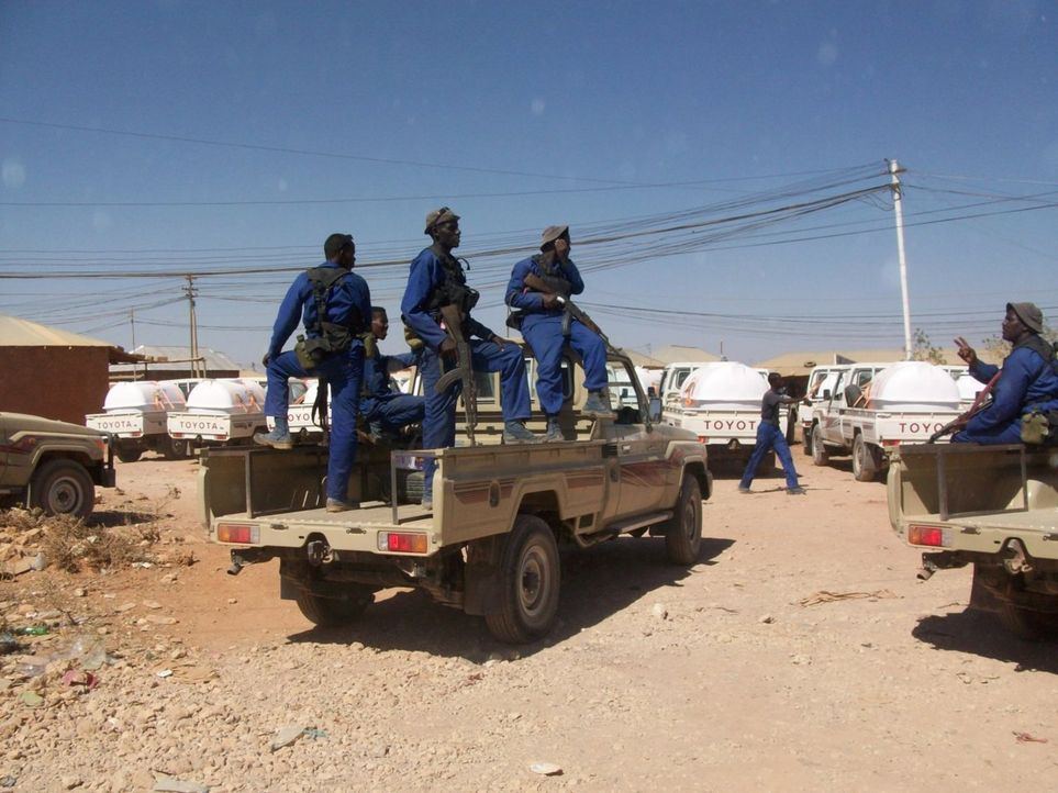 Eine elitäre Truppe von südafrikanischen Söldnern wird von den somalischen Behörden beauftragt, gegen die Piraten anzugehen, welche 22 Seefahrer meh... - Bildquelle: Sam Kaunda Eyeline Entertainment