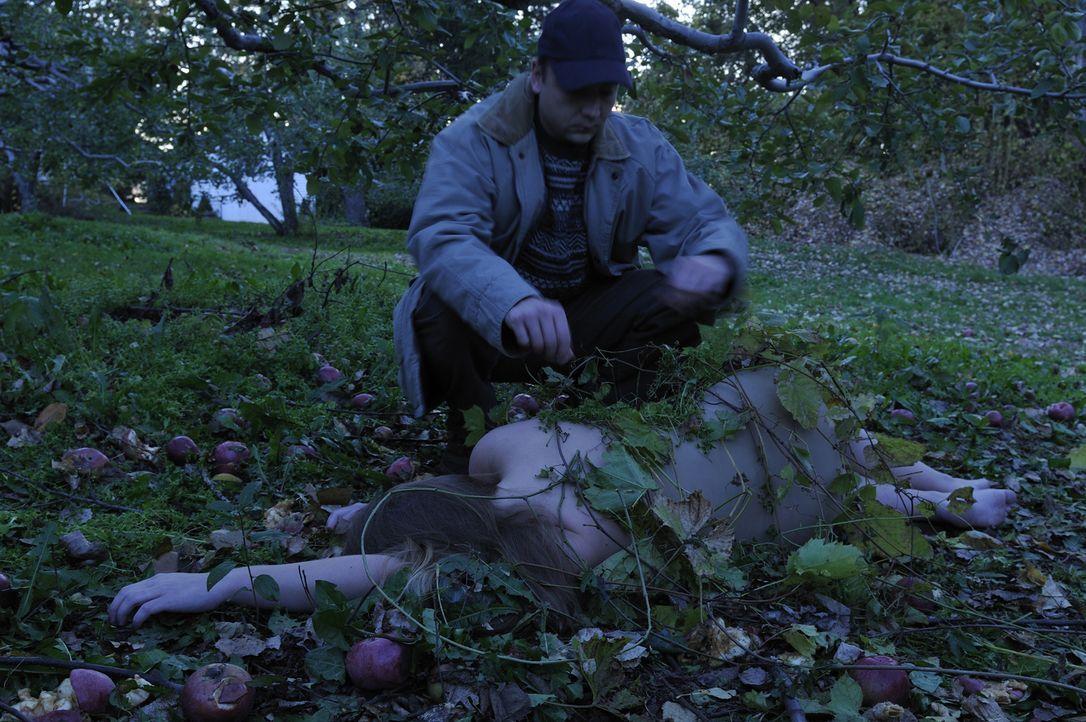 Eine Kleinstadt in Michigan ist außer sich vor Trauer, als man die unbekleidete Leiche der 15-jährigen Deanna Gillean (Shyana Fairman) in einem verl... - Bildquelle: Ben Mark Holzberg Cineflix 2010