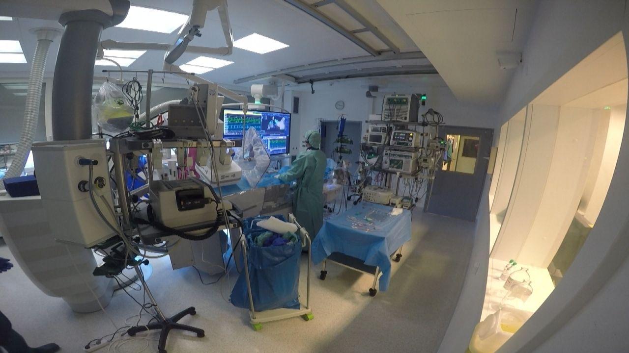 """Die kabel eins-Reportage """"Die Klinik - Ärzte, Helfer, Diagnosen"""" zeigt den echten Klinikalltag aus einem komplett neuen Blickwinkel. - Bildquelle: kabel eins"""