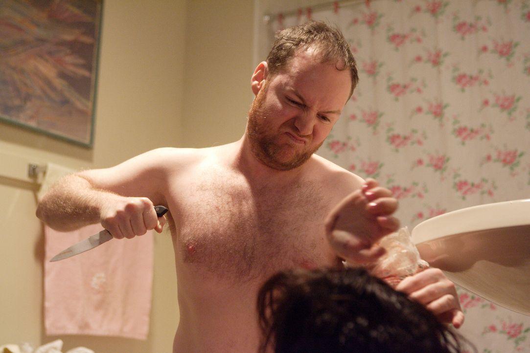 Ist Brian Doyle (Devin Upham) der eigentliche Mörder von Catherine Carroll oder hat ihr Sohn sie ermordet? - Bildquelle: Ian Watson Cineflix 2008