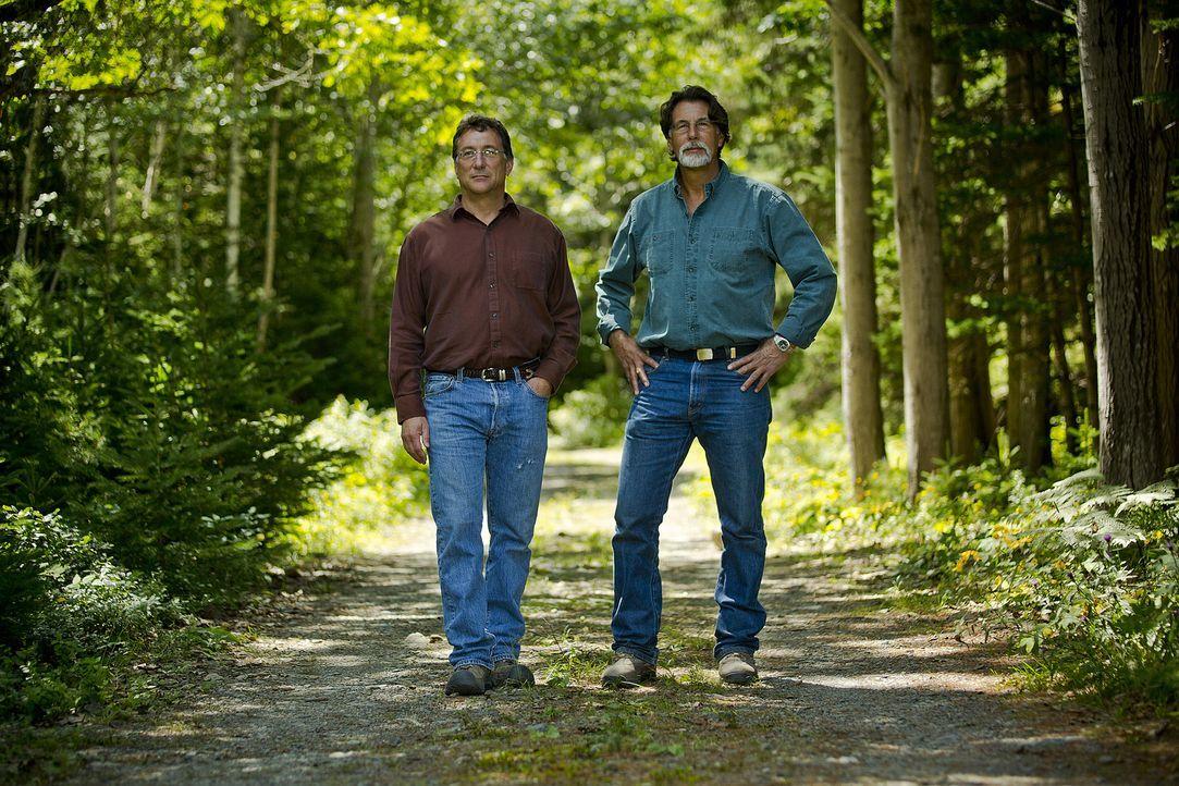 """Im Nordatlantik liegt die sagenumwobene Insel """"Oak Island"""", die angeblich einen wertvollen Schatz versteckt halten soll. Die Brüder Marty (l.) und R... - Bildquelle: 2014 A&E Television Networks, LLC. All Rights Reserved/ PROMETHEUS ENTERTAINMENT"""