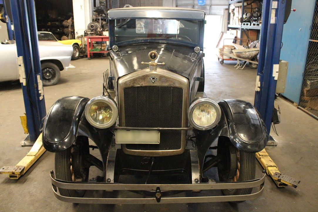 """Der Autonarr Dan Short hat sich mit seiner Werkstatt """"Fantomworks"""" einen Traum erfüllt. Hinter jedem Auto steckt eine Geschichte, die sich lohnt, er... - Bildquelle: Javier Rivera New Dominion Pictures LLC."""