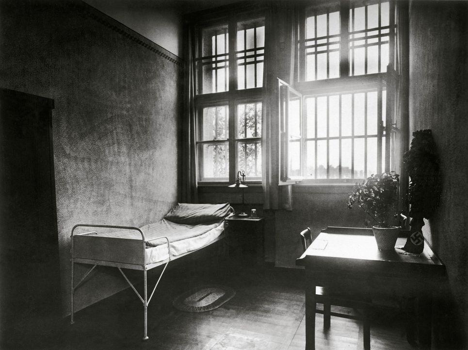Adolf Hitlers Zimmer in der Gefangenen- und Festungshaftanstalt Landsberg am Lech während seiner Haft nach dem sogenannten Putsch 1923. - Bildquelle: Imagno Imagno/Schostal Archiv/ Getty Images