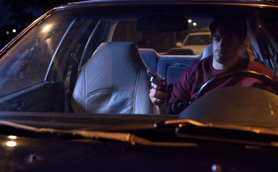 Hat Charles Stuart (Michael McCrudden) etwas mit dem tödlichen Überfall auf seine schwangere Frau Carol zu tun? - Bildquelle: Jeremy Lewis Cineflix 2010