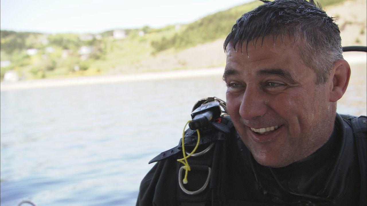 In der Conception Bay müssen Sean Dockrill und sein Team auf der Suche nach den gesunkenen Frachtern des Zweiten Weltkriegs einige herbe Rückschläge... - Bildquelle: 2012 PIXCOM PRODUCTIONS INC.