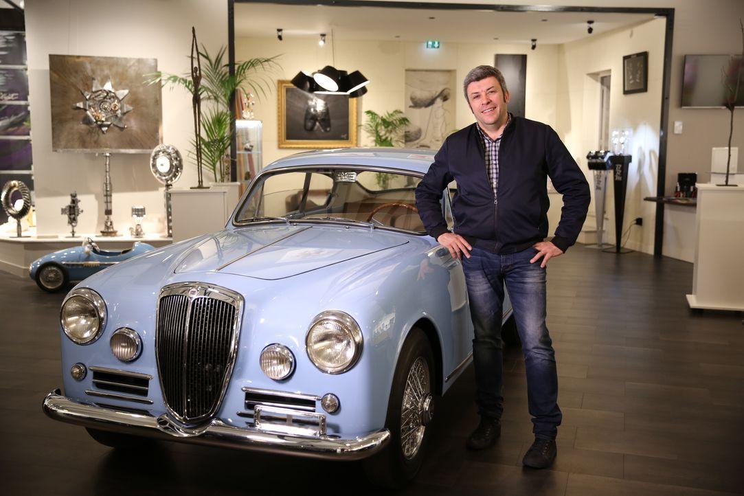 Auto-Spezialist François Allain hat sich zum Ziel gesetzt, den legendären Ja... - Bildquelle: TROISIEME ŒIL PRODUCTIONS ET RMC DECOUVERTE - 2016