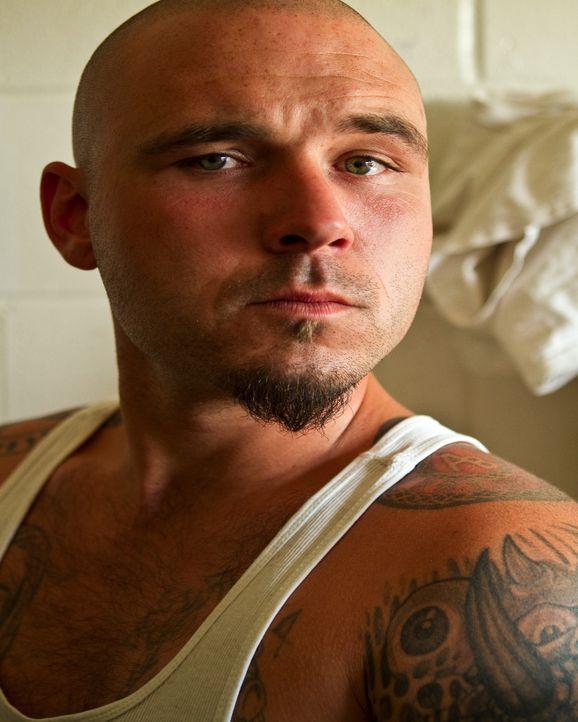 """Der Straftäter William """"Bulldog"""" Sams ist der Anführer der Gang """"Aryan Brotherhood"""", die sich auf illegales Glücksspiel und Rassismus spezialisiert... - Bildquelle: Marcus Burnett 2010 NGC Network US, LLC All Rights Reserved"""