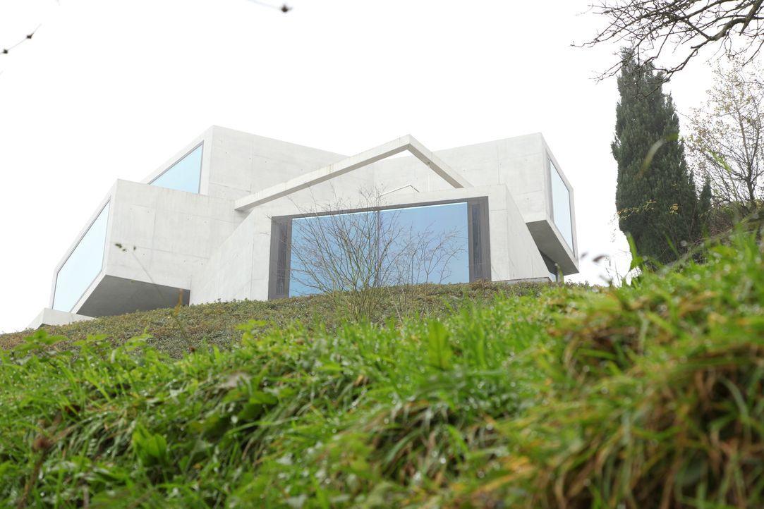 Rasenhaus und Leinwandhaus - Bildquelle: 2012, HGTV/Scripps Networks, LLC. All Rights Reserved
