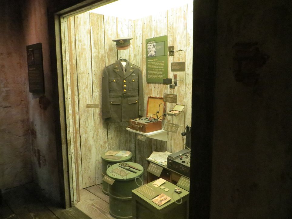Im International Spy Museum in Washington nimmt Don Wildman Spionagewerkzeuge aus vergangenen Zeiten mal näher unter die Lupe ... - Bildquelle: 2014, The Travel Channel, L.L.C. All Rights Reserved.