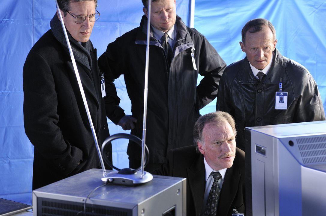Dezember, 1991: Die Passagiere des Scandinavian Airlines Flugs 751 warten auf den Start. Die Temperaturen in Stockholm sind weit unter null Grad und... - Bildquelle: Ben Mark Holzberg Cineflix 2010
