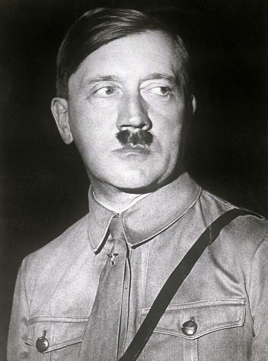 1923: Hitler als oberster SA-Führer - Bildquelle: Imagno/Getty Images
