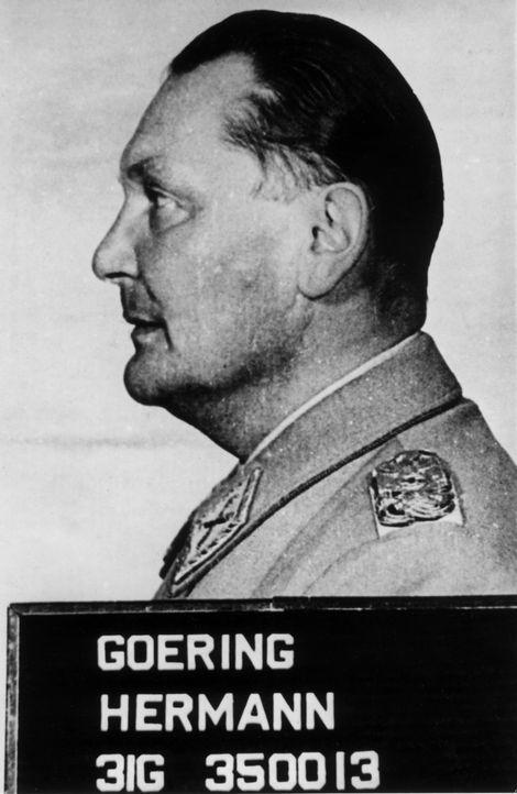 Behauptete vor dem Nürnberger Militärtribunal, keinen Krieg gewollt zu haben, für die Ermordung der europäischen Juden nicht verantwortlich gewesen... - Bildquelle: Hulton Archive/Getty Images