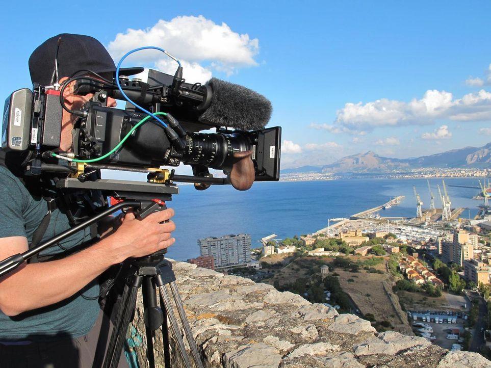 Dieses Mal verschlägt es Anthony Bourdain nach Sizilien, wo man die Langsamkeit liebt und aus allem das Beste macht. Dort isst er sich einmal rund u... - Bildquelle: 2013 Cable News Network, Inc. A TimeWarner Company. All rights reserved.