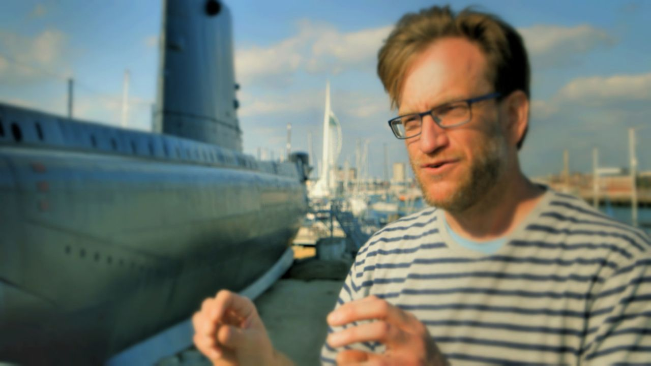 """Der Experte für """"Hering-Fürze"""" Magnus Wahlberg aus Schweden erklärt den """"typischen"""" Sound dieses Geräusches ... - Bildquelle: BBC 2015"""