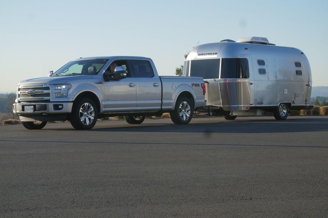 Luxus-Mobil für Country Stars - Bildquelle: 2018, The Travel Channel, LLC. All Rights Reserved.