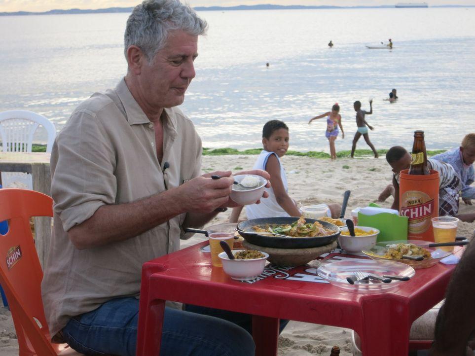 In Brasilien besucht Anthony Bourdain einige der besten Restaurants und nimmt für das grandiose Essen sogar lange Schlangen in Kauf ... - Bildquelle: 2014 Cable News Network, Inc. A TimeWarner Company All rights reserved