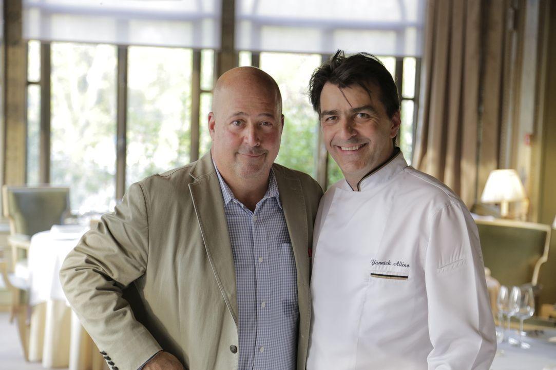 """Der US-amerikanische Koch und Autor Andrew Zimmern erkundet für """"Skurrile Kost"""" auf seinen kulinarischen Reisen die ganze Welt. - Bildquelle: 2015, The Travel Channel, L.L.C. All Rights Reserved."""