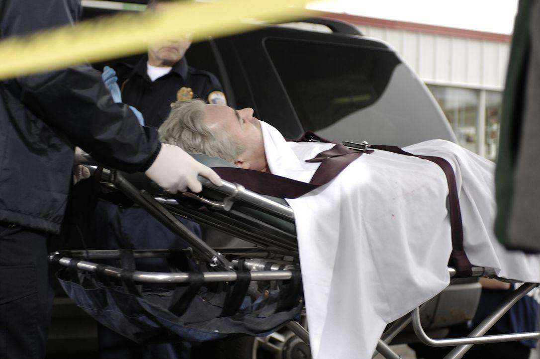 Der 40-jährige Jeff Zack (Mark Robertson) wird an einer Tankstelle erschossen. Die Polizei ermittelt und stellt fest, dass das Opfer nicht sehr beli... - Bildquelle: Ben Mark Holzberg Cineflix 2007