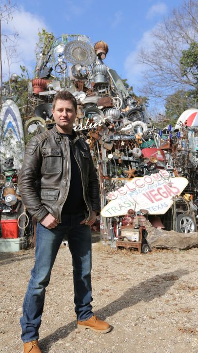 George Clarke - Bildquelle: Hat Trick International