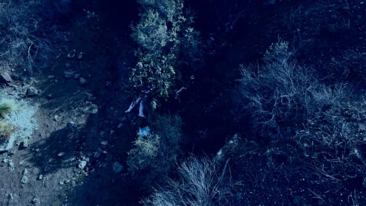 Die Leiche der 14-jährige Schülerin Tina Faelz wird auf einem Waldweg gefunden, einer praktischen und im Falle des Mädchens tödlichen Abkürzung von... - Bildquelle: A&E Networks