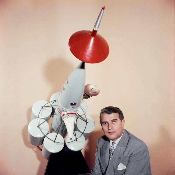 Wernher von Braun (Bild) war ein visionärer Wissenschaftler, ein Besessener mit einer mysteriösen Vergangenheit. Er entwickelte die Technik, die den... - Bildquelle: Getty Images