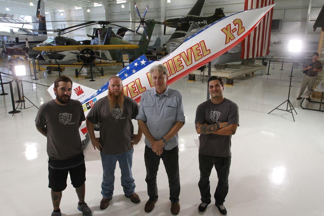 """Raketenstart geglückt: Das Team von """"Creative Arts"""" erweckt diese Woche eine ganz besondere Flugmaschine zu neuem Leben - die X2-Rakete von Evel Kni... - Bildquelle: 2014 A&E TELEVISION NETWORKS, LLC. ALL RIGHTS RESERVED."""