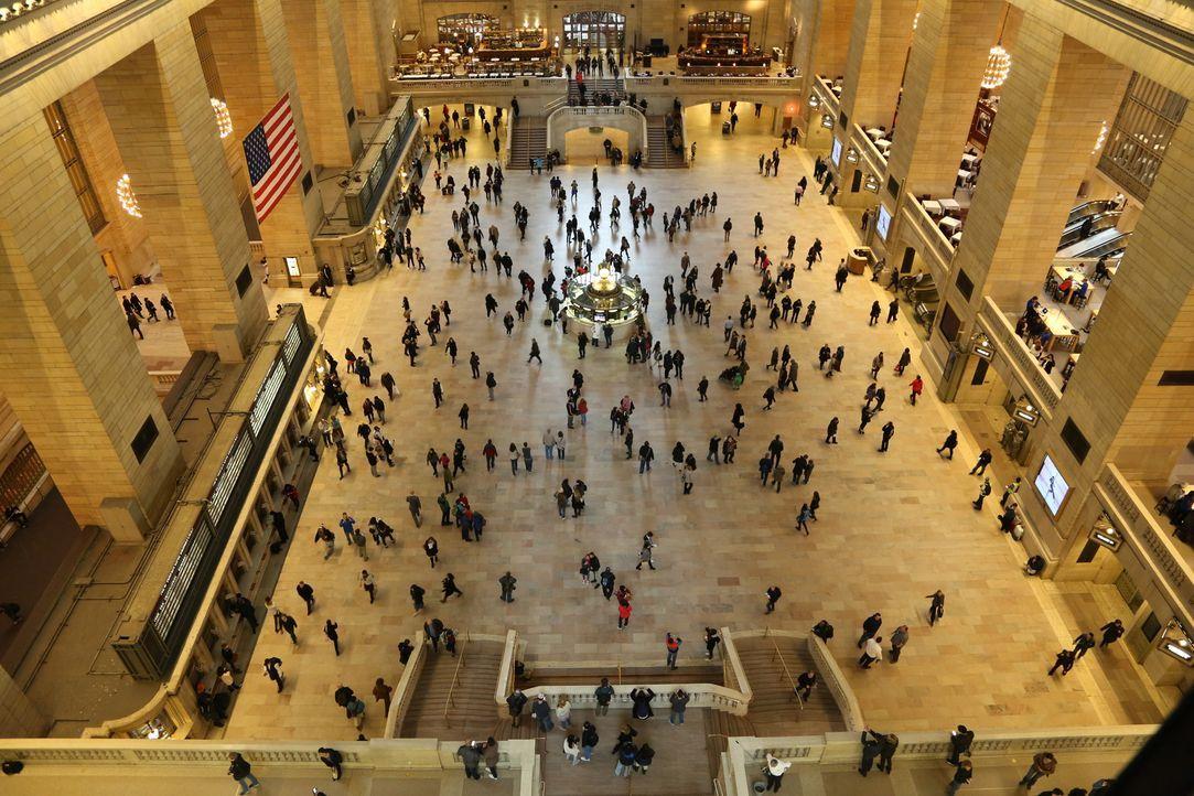 Die beeindruckende Eingangshalle des Grand Central Terminals wird täglich von mehreren tausenden Menschen durchquert und nur wenigen fallen die viel... - Bildquelle: Indigo Films/ DCL