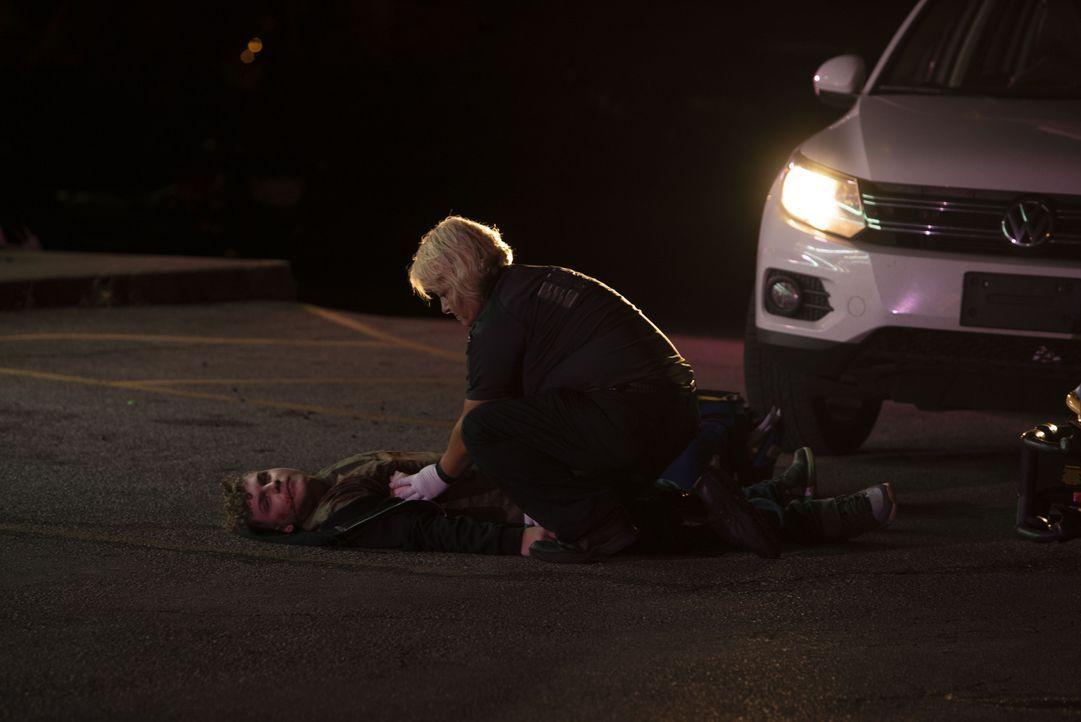 Nach der Ermordung zweier Männer in ihrem Auto, schließt sich Ermittler Kend... - Bildquelle: Discovery Communications