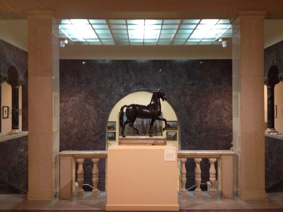 In Springfield untersucht Don Wildman ein Gemälde, in welchem sich ein großer Kunstschwindel versteckt ... - Bildquelle: 2014, The Travel Channel, L.L.C. All Rights Reserved.