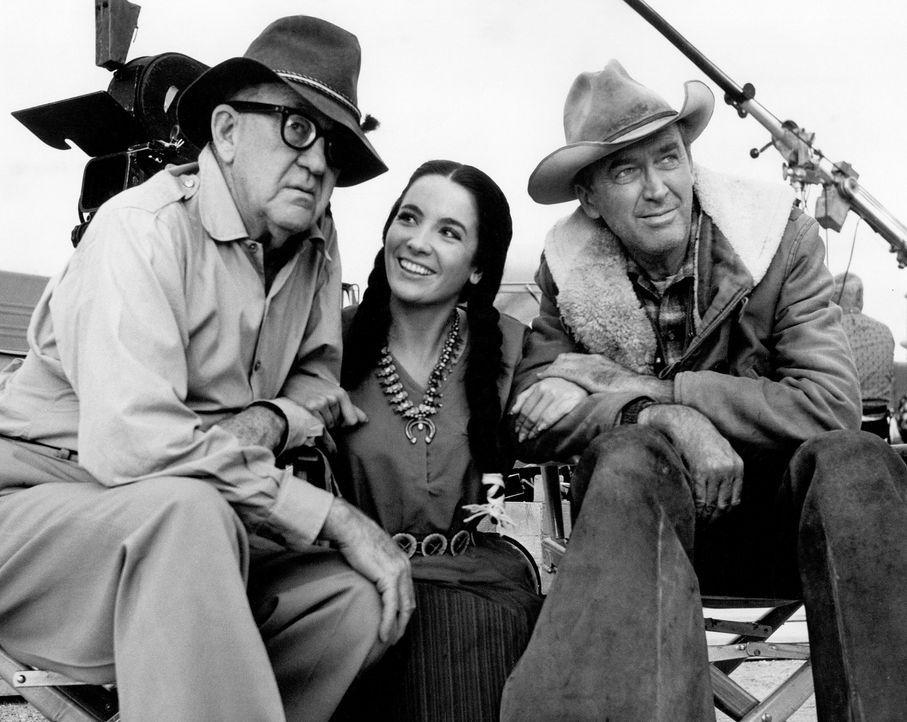 Bis heute entstanden zahlreiche Film- und Fernsehproduktionen über Cowboys und deren abenteuerliches Leben im Wilden Westen. John Ford (l.) war eine... - Bildquelle: Columbia Pictures