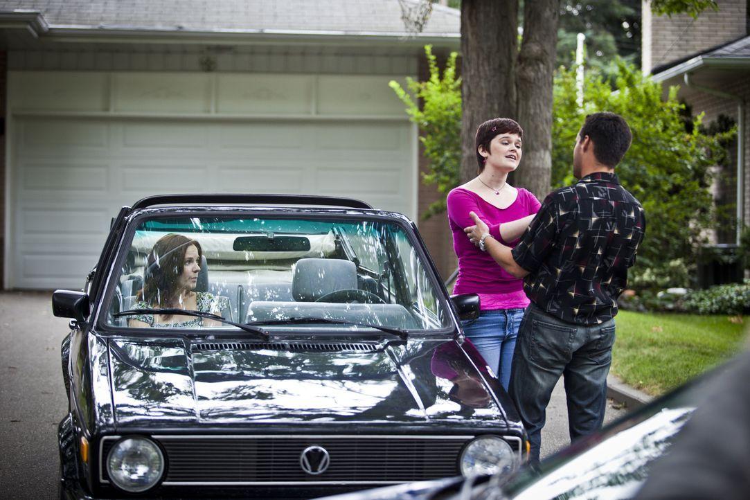 Hat er etwas mit ihrem Tod zu tun? Kurz vor dem grausamen Mord an der 17-jährigen Jessica Carpenter treibt sich in Aikan der Sexualstraftäter Reinal... - Bildquelle: Cineflix 2011