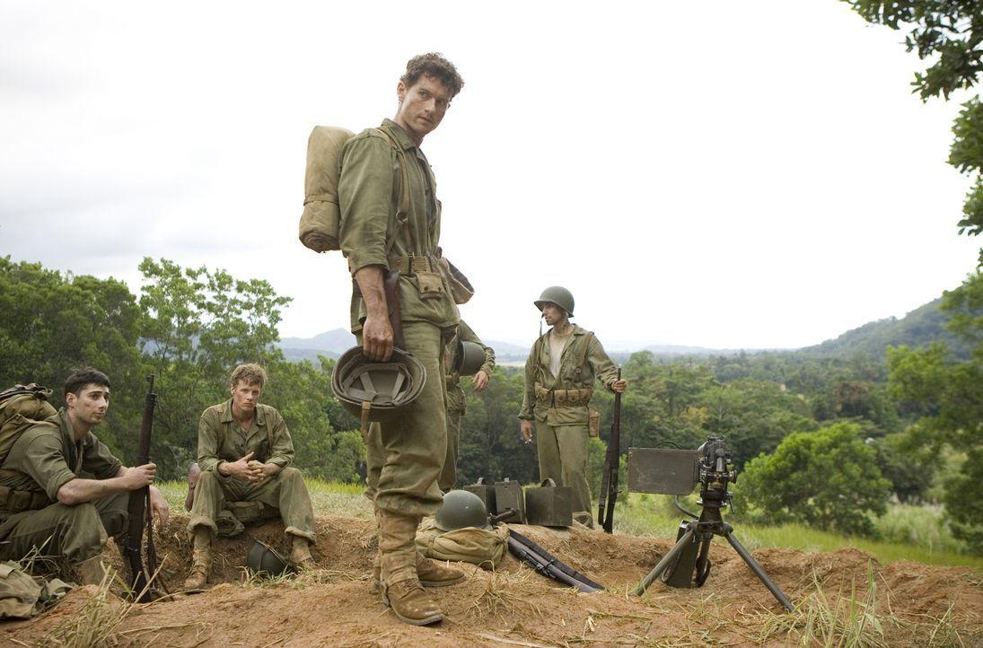 Lernen die Brutalität des Krieges hautnah kennen: US-Marine Robert Leckie (James Badge Dale, 2.v.r.) und seine jungen Kameraden ... - Bildquelle: Home Box Office Inc. All Rights Reserved.
