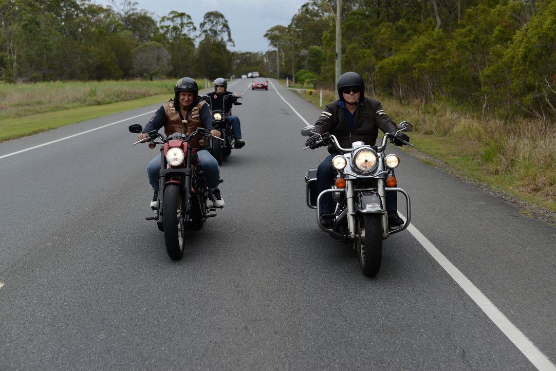 Es wird vermutet, dass es in Australien 44 Motorradclubs gibt. Einzelne Gruppierungen, wie die Hells Angels und die Rebels, gelten für die Polizei a... - Bildquelle: Freshwater Films Ltd 2015