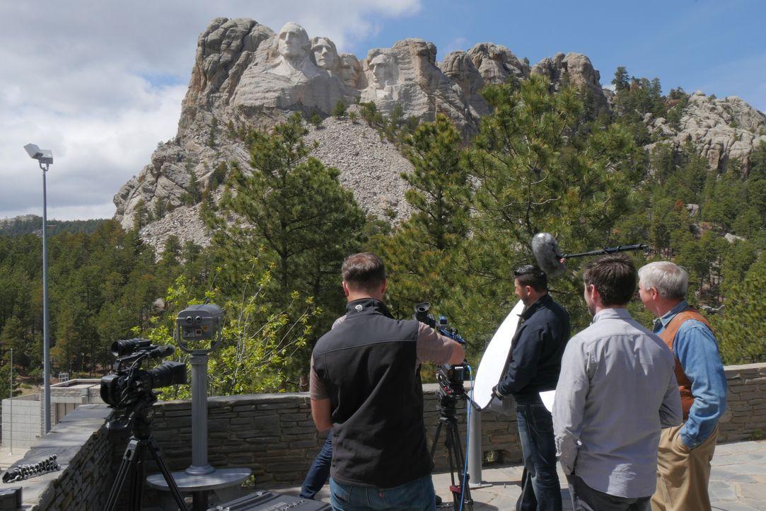 Mount Rushmore ist ein beliebtes Fotomotiv, doch nur wenige kennen die Geschichte hinter den vier in Stein gemeißelten Präsidenten-Köpfen ... - Bildquelle: Indigo Films/ DCL