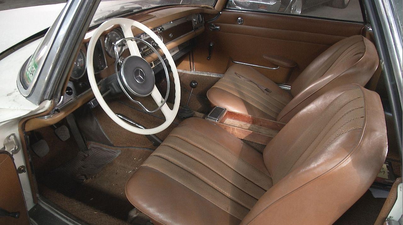 Toughe Aufgabe für die Werkstattprofis: Der alte 1964er Mercedes 230SL soll ohne viel Budget komplett restauriert werden. Kann dies gelingen? - Bildquelle: New Dominion Pictures LLC.