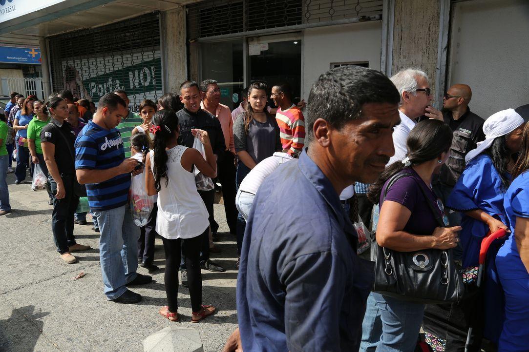 Mediakamentenmangel ist in Venezuela keine Seltenheit. Viele Menschen leiden in dem Land unter der eklatanten Unterversorgung mit Medikamenten und m... - Bildquelle: Quicksilver Media