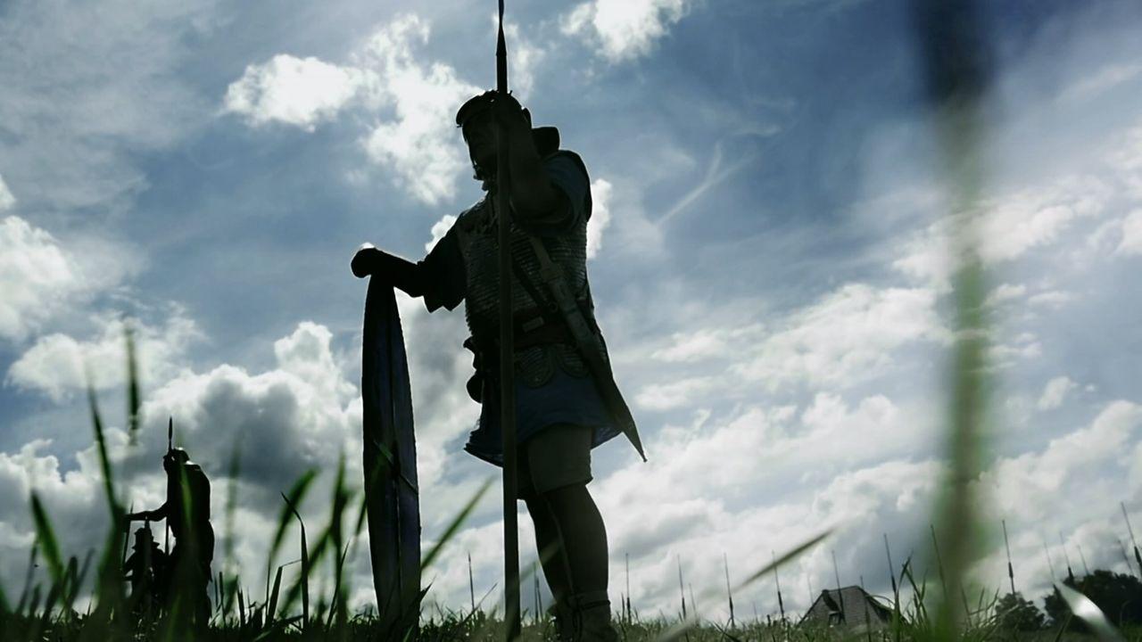 Der Mythos von König Artus erzählt von großen Schlachten, die durch das Schwert Excalibur gewonnen wurden, und von einem tapferen und kampfbereiten... - Bildquelle: TCB Media Rights Ltd.