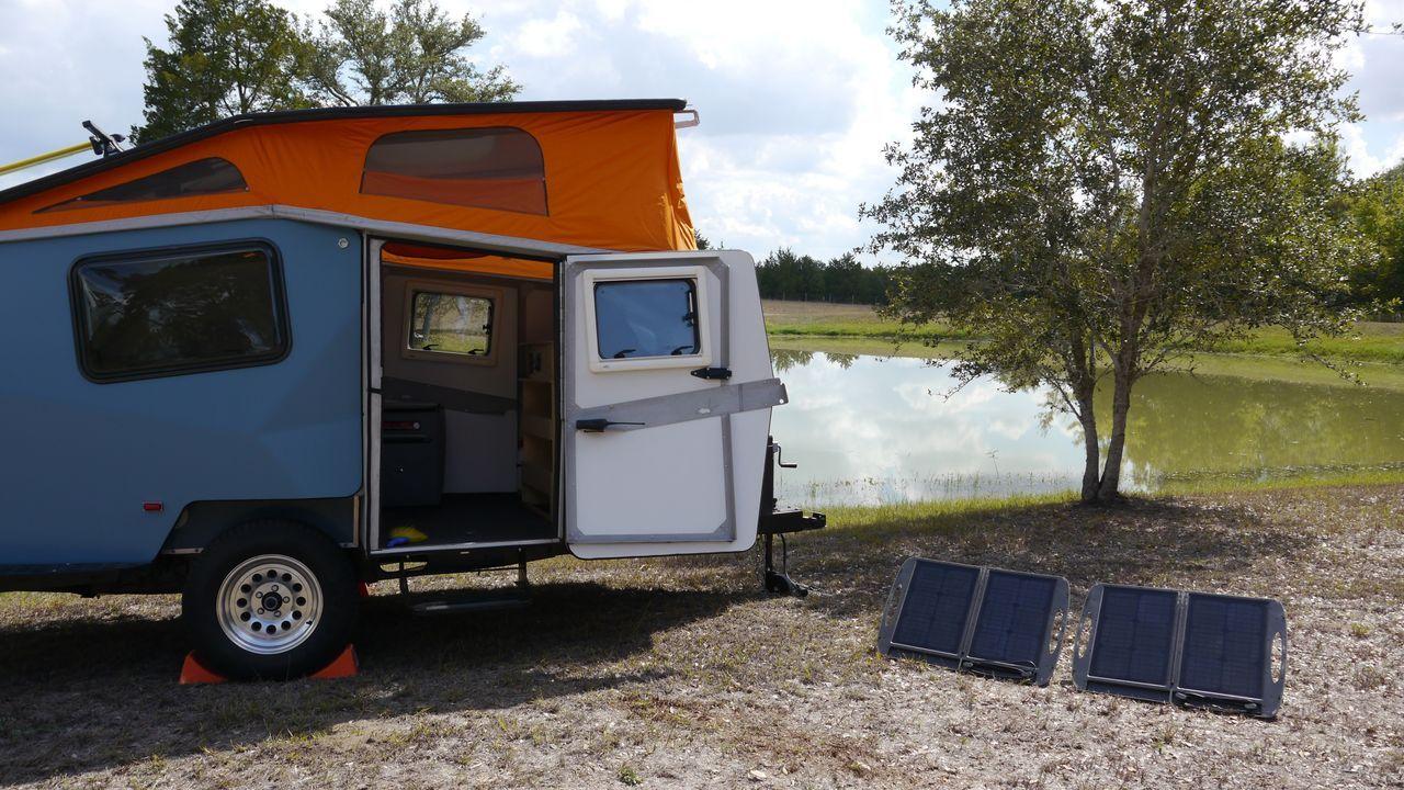 Eine Landyacht, eine Safari mit Stil und ein wiedergeborener Westwood - Bildquelle: 2012, The Travel Channel, L.L.C. All Rights Reserved.