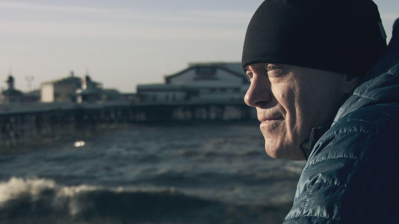 Die Armut ist in vielen britischen Seestädten drei Mal so hoch wie der nationale Durschnitt. Ross Kemp stattet den Menschen in diesen ehemaligen Fer... - Bildquelle: Freshwater Films Ltd 2015