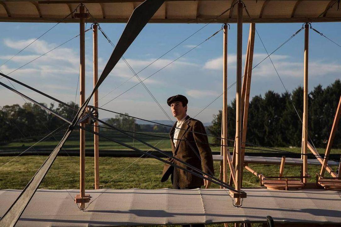 Fahrrad-Mechaniker Wilbur Wright  (Foto) und sein Bruder Orville haben im Wettlauf um die Entschlüsselung des Fliegens nur einen Rivalen: Glenn Curt... - Bildquelle: For National Geographic