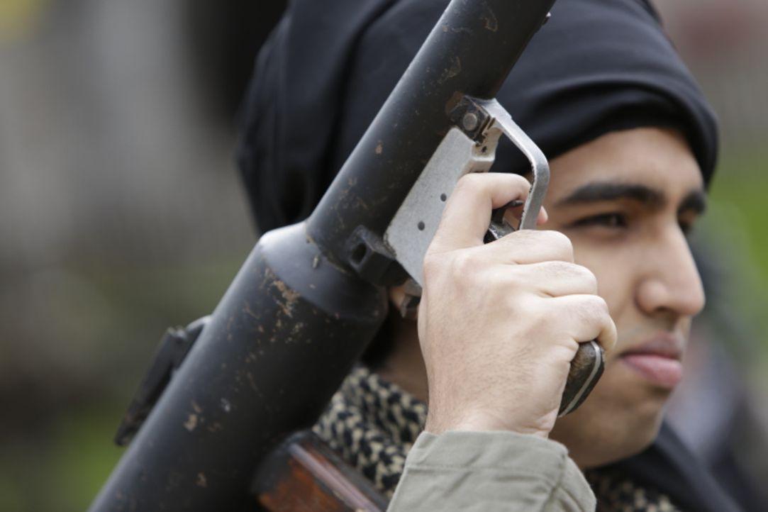 Wenige Wochen nach den verheerenden Anschlägen am 11. September 2001 stößt die CIA auf der Suche nach Osama bin Laden in einer Festung in Afghanista... - Bildquelle: WMR