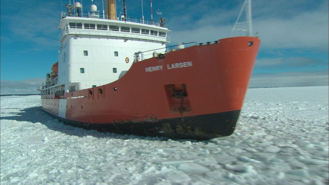 Die Henry Larsen ist ein hoch spezialisierter Eisbrecher der kanadischen Küstenwache. Für die Menschen auf Fogo Island ist das Schiff lebenswichtig,... - Bildquelle: Exploration Production Inc.