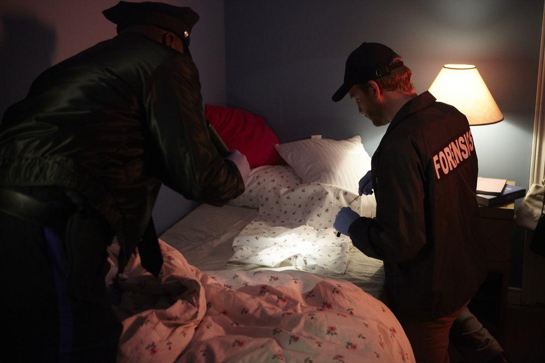 Als Studentin Shannon Schieber aus Wharton in ihrem Schlafzimmer vergewaltigt und erwürgt wird, finden die Forensiker am Tatort die DNA des Mörders.... - Bildquelle: Ian Watson Cineflix 2012